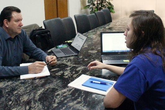 Aciu presenteia associados com consultoria sobre licitações