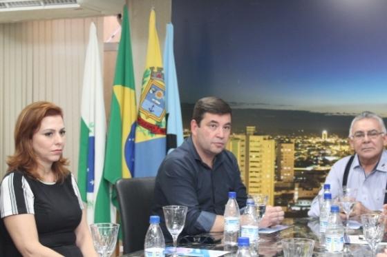 Deputado Delegado Fernando visita a Aciu