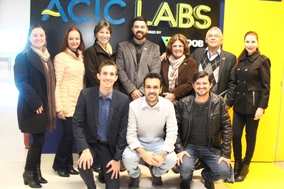 Representantes da Aciu conhecem o Acic Labs